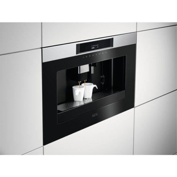 Integreeritav kohvimasin AEG KKK884500M disain