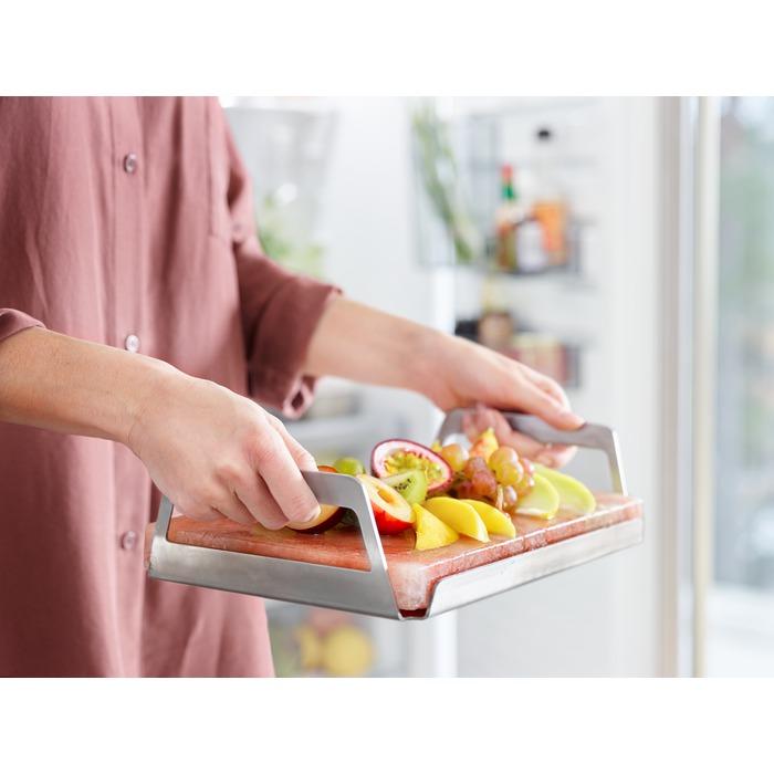 soolakivi jahutamine külmikus ning toidu jahedana serveerimine
