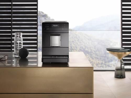 Kohvimasin Espressomasin piimavahustiga Miele CM 5300