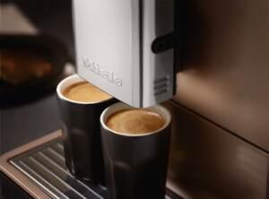 Kohvimasin Espressomasin piimavahustiga Miele CM5500 ROPF